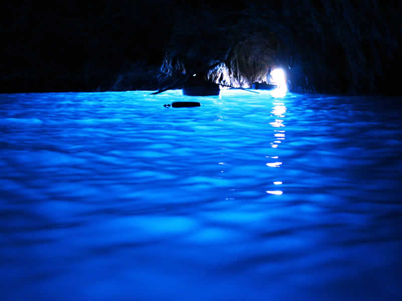 Grotta Azzurra Capri: Napoli Guide