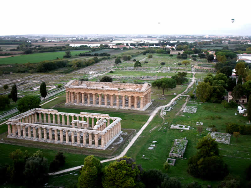 Paestum: Naples tour guide
